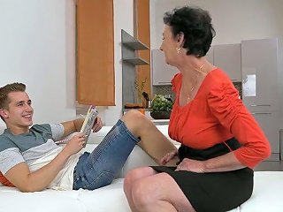 Young 19 Yo Dude Enjoys Having Dirty Sex With Old Maid Pixie