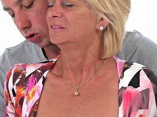 Old Babe Diane Shepard Overjoyed By Vigorous Dicking